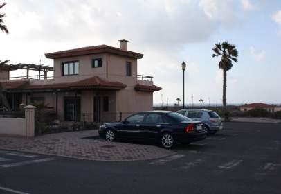 Casa adosada en calle Majanicho, nº 114