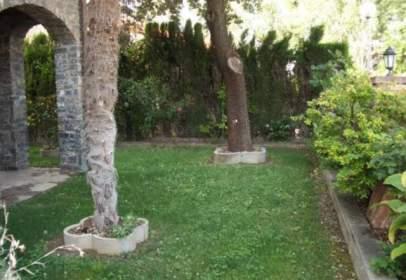 Chalet en calle San Ermengol