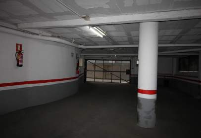 Garage in Instituto