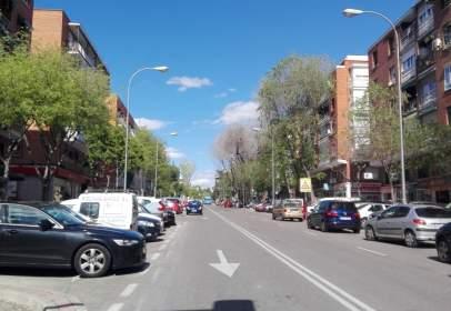Pis a calle de Zigia, prop de Calle de José del Hierro