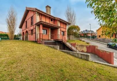 House in Urbanización Ria del Pas