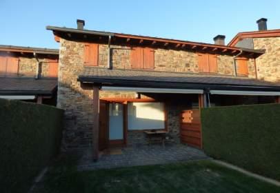 Casa adosada en calle Catalogne, nº 5