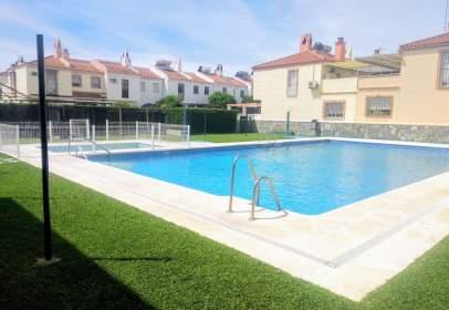 Casas y chalets en parque alcosa jardines del ed n for Apartamentos de alquiler en sevilla capital