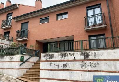 Casa adosada en calle Gabino Gaona