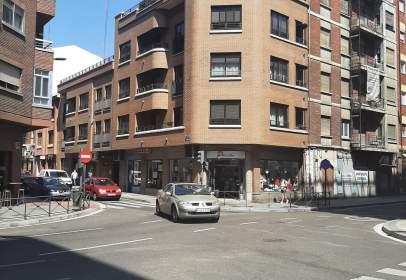 Flat in calle de Acibelas, 9