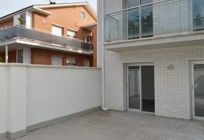 Duplex in Carrer de Pons Grau, near Carrer de Josep Espinalt