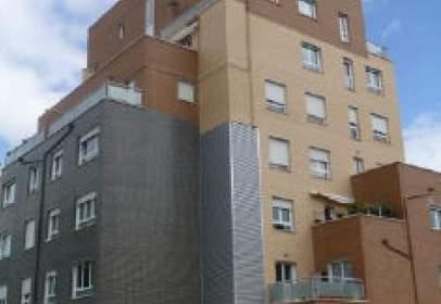 Garatge a  Duques de Soria,  22
