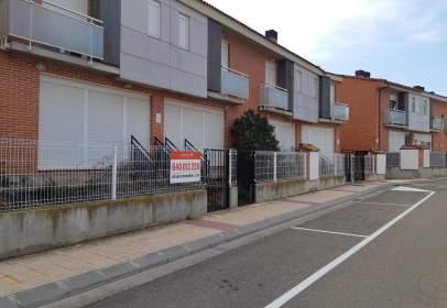 Xalet a calle de María Agustín,  7