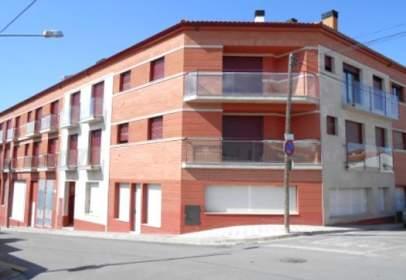 Piso en calle Rafael Mas Ripoll 46-48 /  Cadí 22-28