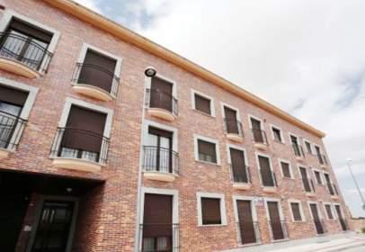 Flat in calle Ronda de San Isidro
