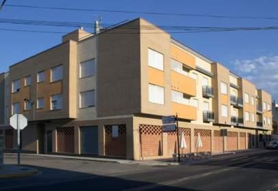 Pis a calle Levante / Blasco Ibáñez