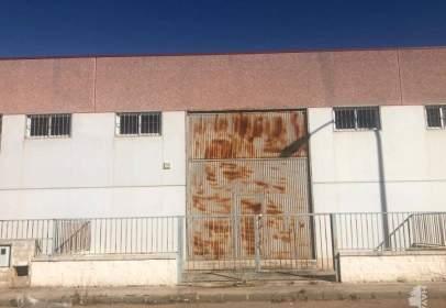 Nau industrial a calle de la Setubal,  60